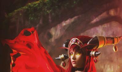 wow美女玩家性感COS红龙女王阿莱克斯塔萨